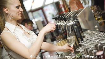 Waitress (picture alliance/Bildagentur-online/Begsteiger)