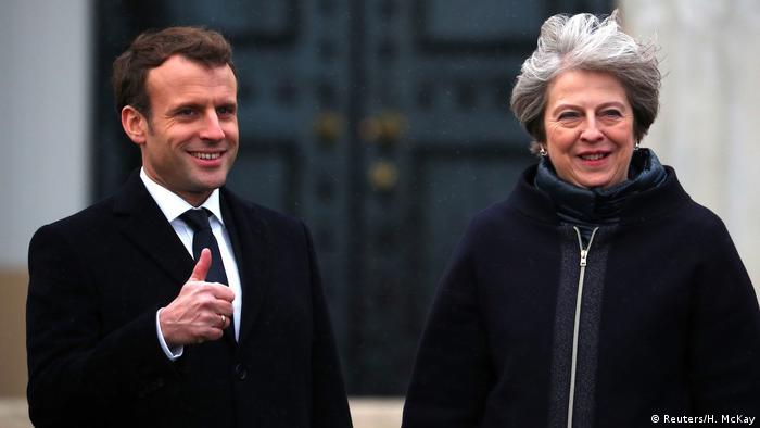 Großbritannien Emmanuel Macron, Präsident Frankreich & Theresa May (Reuters/H. McKay)