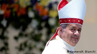 Chile Bischof Juan Barros währen der Papstmesse in Iquique