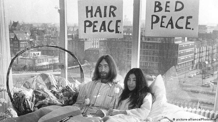 Yoko Ono 'Love-in' Presse Konferenz