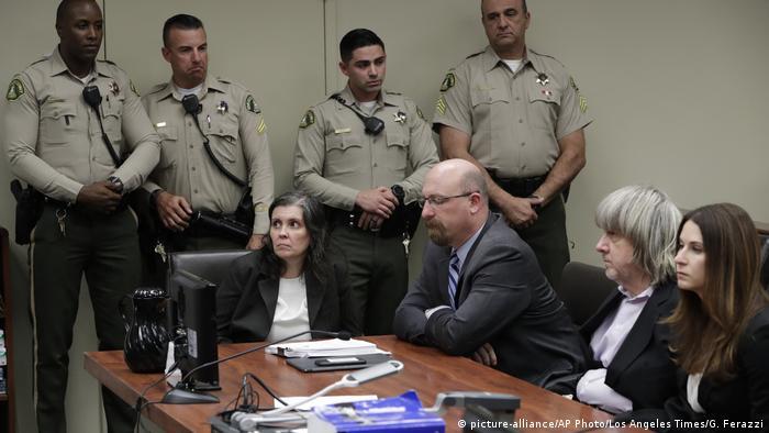 USA Kalifornien David Allen & Louise Anna Turpin | Angeklagt wegen Gefangenschaft und Folter von Kindern (picture-alliance/AP Photo/Los Angeles Times/G. Ferazzi)
