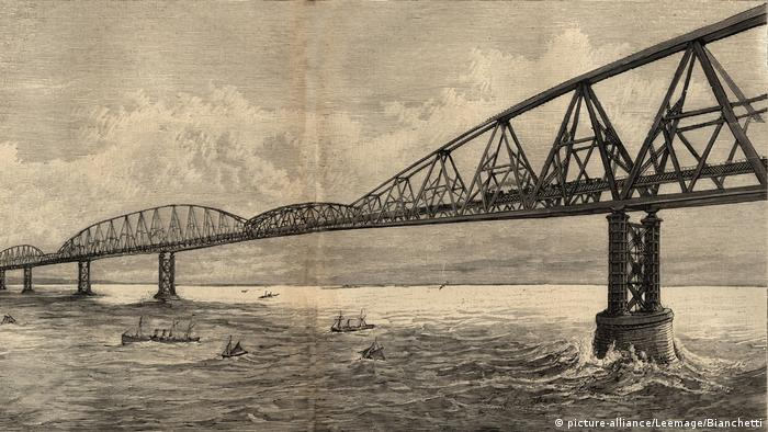 Engraving from 1890 showing bridge between France and Britain (picture-alliance/Leemage/Bianchetti)