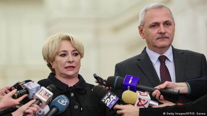 Liviu Dragnea și Vasilica Viorica Dăncila (Getty Images/AFP/O. Ganea)