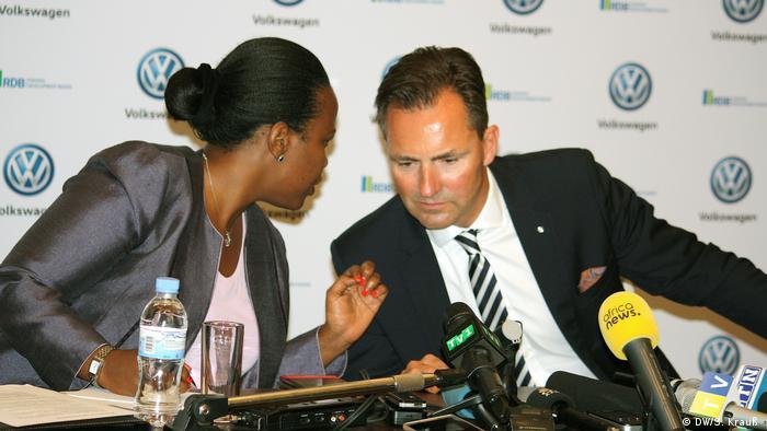 Rwanda Development Board, Clare Akamanzi and Volkswagen South Africa head Thomas Schäfer