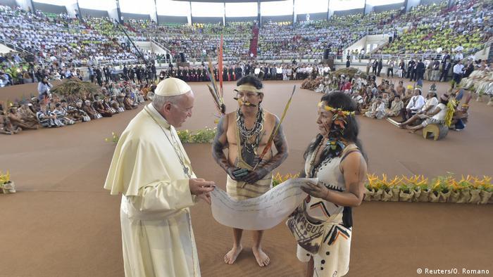 Cerca de 4 mil indígenas participaram de encontro com o papa