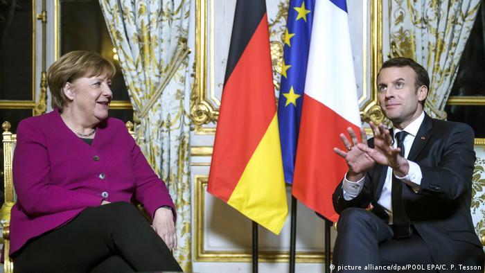 Frankreich Merkel bei Macron