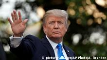 12.07.2017 +++ President Donald Trump waves as he walks to Marine One as he departs the White House, Wednesday, July 12, 2017, in Washington, as he heads to Paris for Bastille Day. (AP Photo/Alex Brandon)