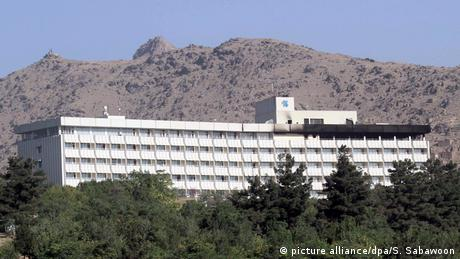 У Кабулі невідомі зі зброєю відкрили вогонь у готелі