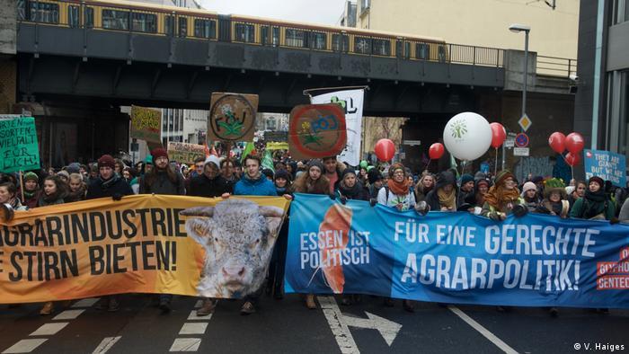 Deutschland - Wir haben es Satt! Demonstration der Landwirte (V. Haiges)