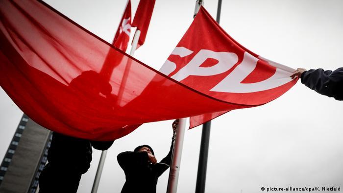 Deutschland Außerordentlicher SPD-Parteitag in Bonn
