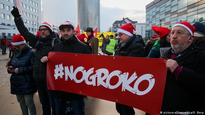 En contra de la gran coalición, GroKo, en Bonn.