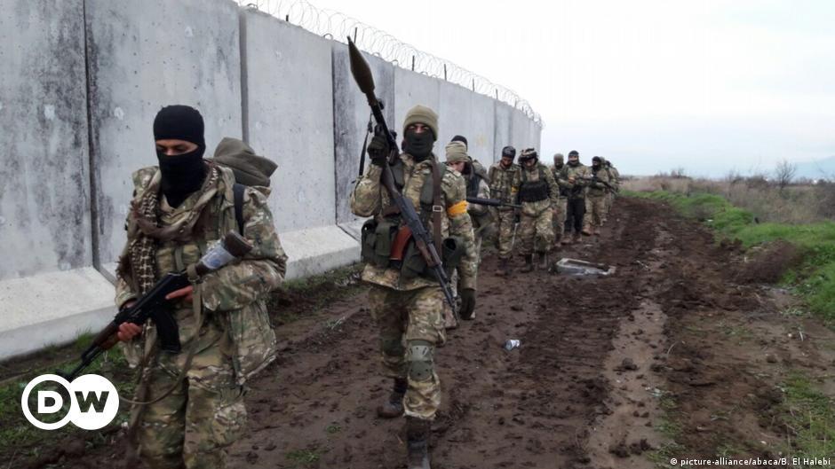 """Türkiye'ye Suriye'den """"yasa dışı nakil"""" suçlaması"""