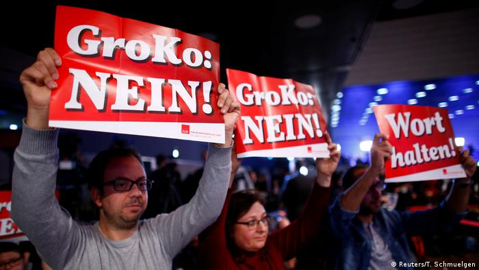 Bonn Außerordentlicher SPD-Parteitag in Bonn Protest gegen die große Koalition