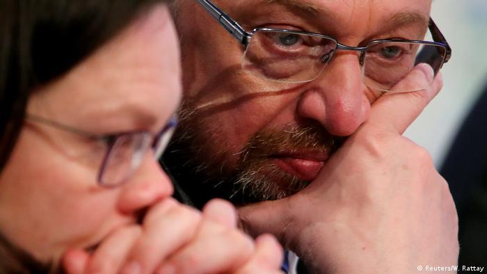 Außerordentlicher SPD-Parteitag SPD-Fraktionsvorsitzende im Bundestag Andrea Nahles und SPD-Parteivorsitzender Martin Schulz