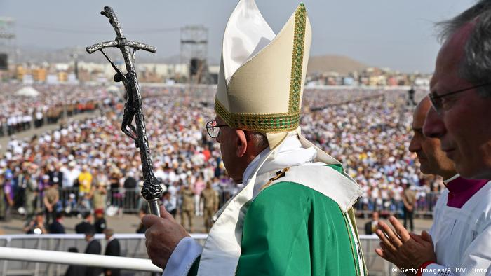 Peru Papst Franziskus in Lima (Getty Images/AFP/V. Pinto)