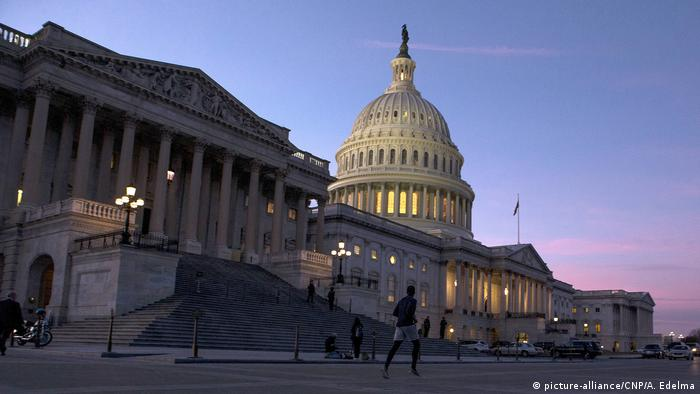 The United States Capitol Building (picture-alliance/CNP/A. Edelma)