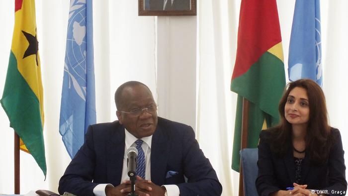 François Loucény Fall e Zahira Virani, representante do Programa das Nações Unidas para o Desenvolvimento (PNUD)