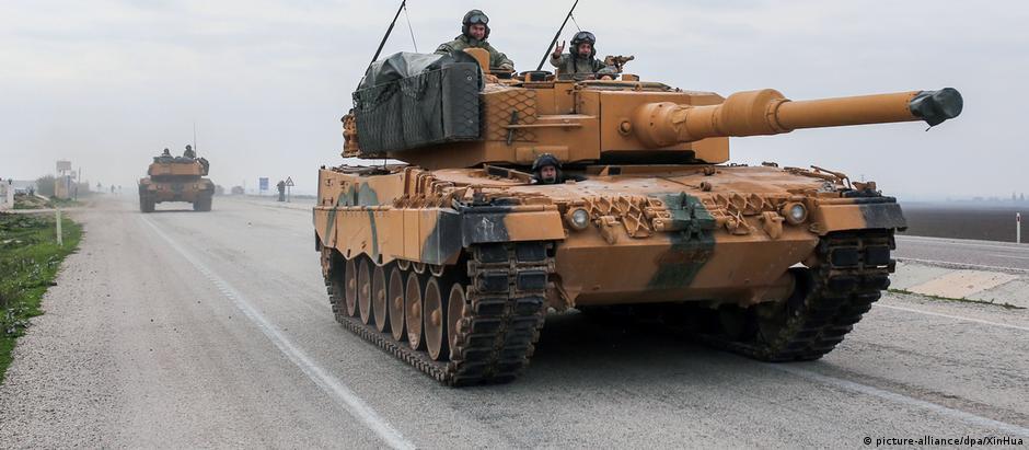 Tanque Leopard 2, de fabricação alemã, usado em ofensiva contra curdos