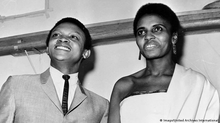 Wedding photo of Hugh Masekela and Miriam Makeba (Imago/United Archives International)