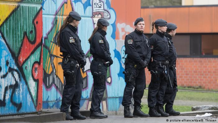 Schüler an Gesamtschule in Lünen getötet (picture-alliance/dpa/B. Thissen)