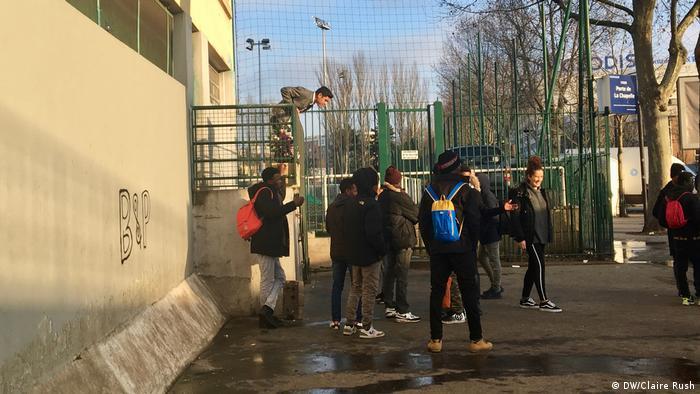 Paris ausländische unbegleitete Minderjährige in Frankreich (DW/Claire Rush)