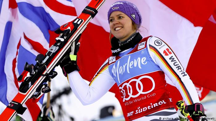 Viktoria Rebensburg Ski Riesenslalom (picture-alliance/AP Photo/A.Trovati)