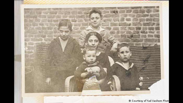 Familienfoto aus den 1920ern (Courtesy of Yad Vashem Photo Archives)