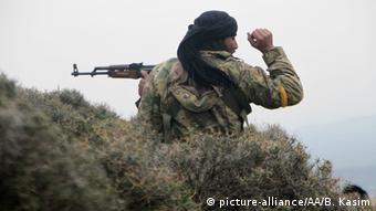 Syrien Türkische Offensive in Nordsyrien nahe Afrin (picture-alliance/AA/B. Kasim)