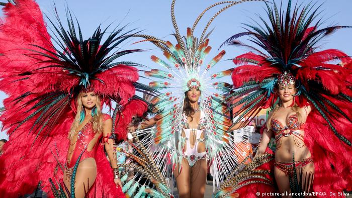 Trinidad und Tobago Karneval in Port Of Spain (picture-alliance/dpa/EPA/A. De Silva)