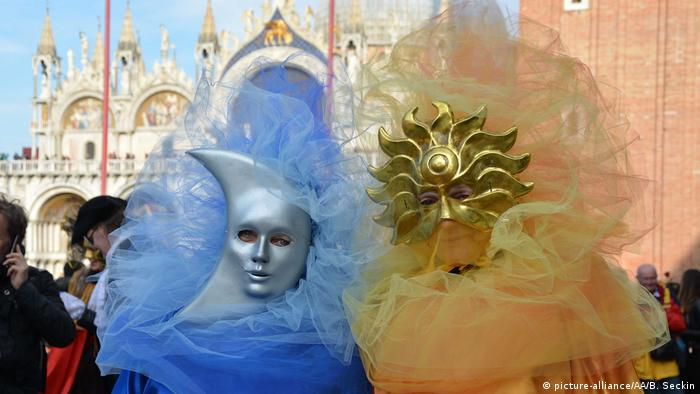 Italien Karneval in Venedig (picture-alliance/AA/B. Seckin)