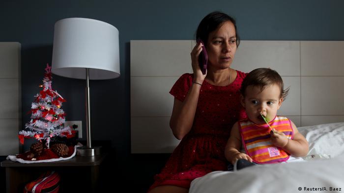 Débora Oquendo y su hija.
