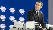 Emmanuel Macron, President of France, sits before adressing a plenary session during the 48th Annual Meeting of the World Economic Forum, WEF, in Davos, Switzerland, Wednesday, January 24, 2018. The meeting brings together entrepreneurs, scientists, corporate and political leaders in Davos, January 23 to 26. (KEYSTONE/Gian Ehrenzeller) |