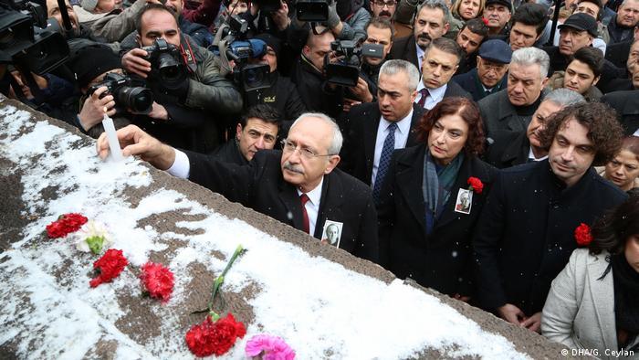 Uğur Mumcu ölümünün 25. yıldönümünde anıldı