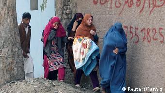 Τον δρόμο της φυγής παίρνουν πολλές αφγανικές οικογένειες