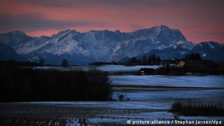 BdT 25.01.2018 Sonnenaufgang in Bayern (picture alliance / Stephan Jansen/dpa)
