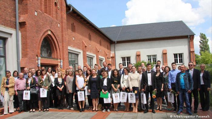 Polscy absolwenci dualnego programu edukacyjnego Główka pracuje (Cleveres Köpfchen) w Pasewalku