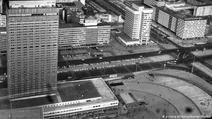 Высотные здания на Александерплац в 1972 году