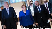 12.01.2018 Horst Seehofer (l-r), Ministerpräsident von Bayern und Vorsitzender der Christlich Sozialen Union (CSU), Angela Merkel, Bundeskanzlerin und Vorsitzende der Christlich Demokratischen Union (CDU), und Martin Schulz, Vorsitzender der Sozialdemokratischen Partei Deutschlands (SPD) kommen am 12.01.2018 am Ende der Sondierungen von Union und SPD zu einer Pressekonferenz im Willy-Brandt-Haus in Berlin. Foto: Bernd von Jutrczenka/dpa +++(c) dpa - Bildfunk+++   Verwendung weltweit