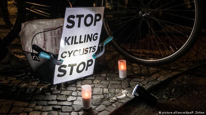 Protesto por mais segurança para ciclistas em Berlim