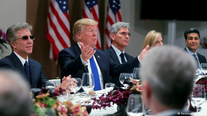 Weltwirtschaftsforum 2018 in Davos | Dinner CEO's & Donald Trump, Präsident USA (Reuters/C. Barria)