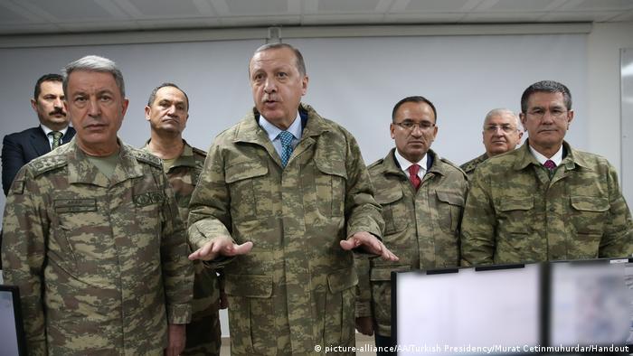 Türkei Erdogan besucht Operationsbasis in Hatay (picture-alliance/AA/Turkish Presidency/Murat Cetinmuhurdar/Handout)