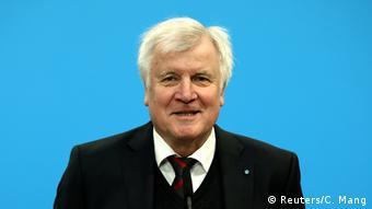 Horst Seehofer (Reuters/C. Mang)