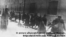 Ungarische Einheiten bei Erschiessungen in Jugoslawien 1941 - This photo provided by United States Holocaust Memorial Museum shows Hungarian soldiers as they execute Serbians and Jews on Miletic Street in Novi Sad, Yugoslavia, Jan. 23, 1942, during a series of raids. A largely unknown archive documenting thousands of cases against World War II criminals, from Hitler to many average participants in the Holocaust who were never brought to trial, are being made public and unrestricted for the first time at the U.S. Holocaust Memorial Museum in Washington after being locked away for decades at the United Nations. (AP Photo/Jewish Historical Museum, Belgrade via United States Holocaust Memorial Museum)  