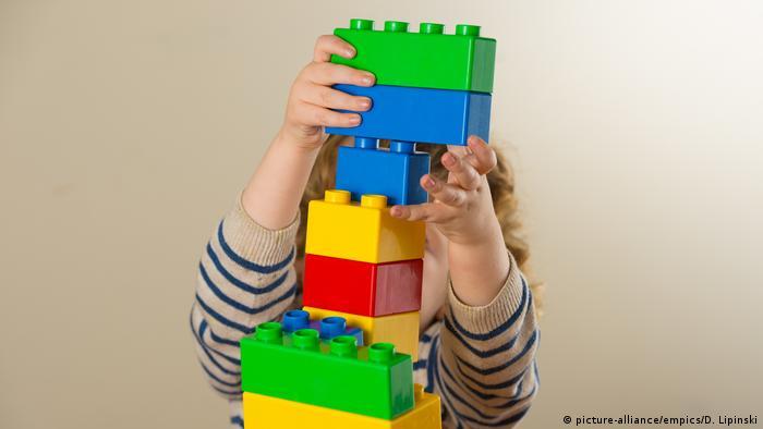 Bildergalerie Lego wird 60 (picture-alliance/empics/D. Lipinski)