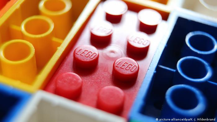 China: Authorities bust fake Lego ring | News | DW | 27 04 2019