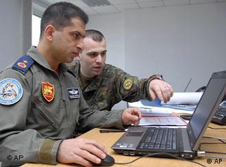Грузинский солдат на маневрах НАТО