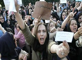 محمد جواد لاریجانی: زنان در همه عرصههای اجتماعی سهم برابر دارند
