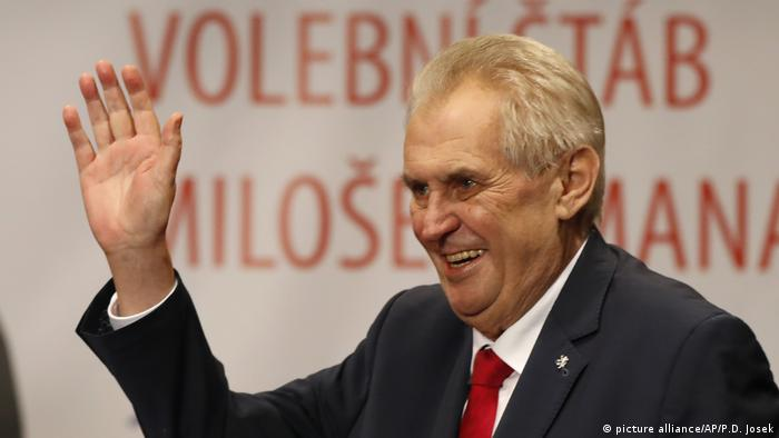 Tschechien Sieger der Präsidentschaftswahlen Milos Zeman (picture alliance/AP/P.D. Josek)