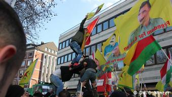Deutschland Kurden-Demo in Köln (DW/C. Winter)