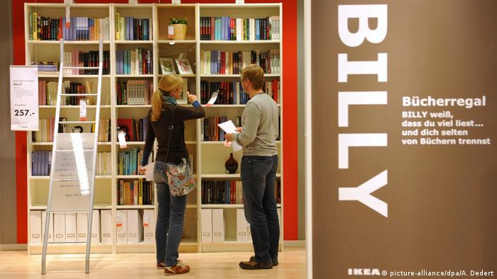 Ikea Bücherregal Billy (picture-alliance/dpa/A. Dedert)